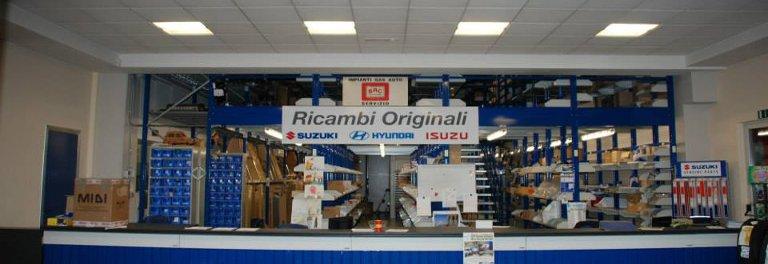 moda firmata nuovo massimo offerte esclusive Ricambi e accessori originali Suzuki, Isuzu, Nissan e ...